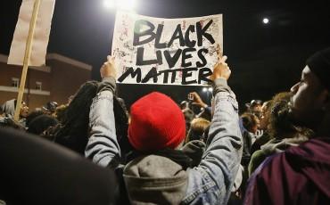 pic_giant_120114_SM_Black-Lives-Matter-G_0