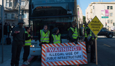 Google_bus_protest