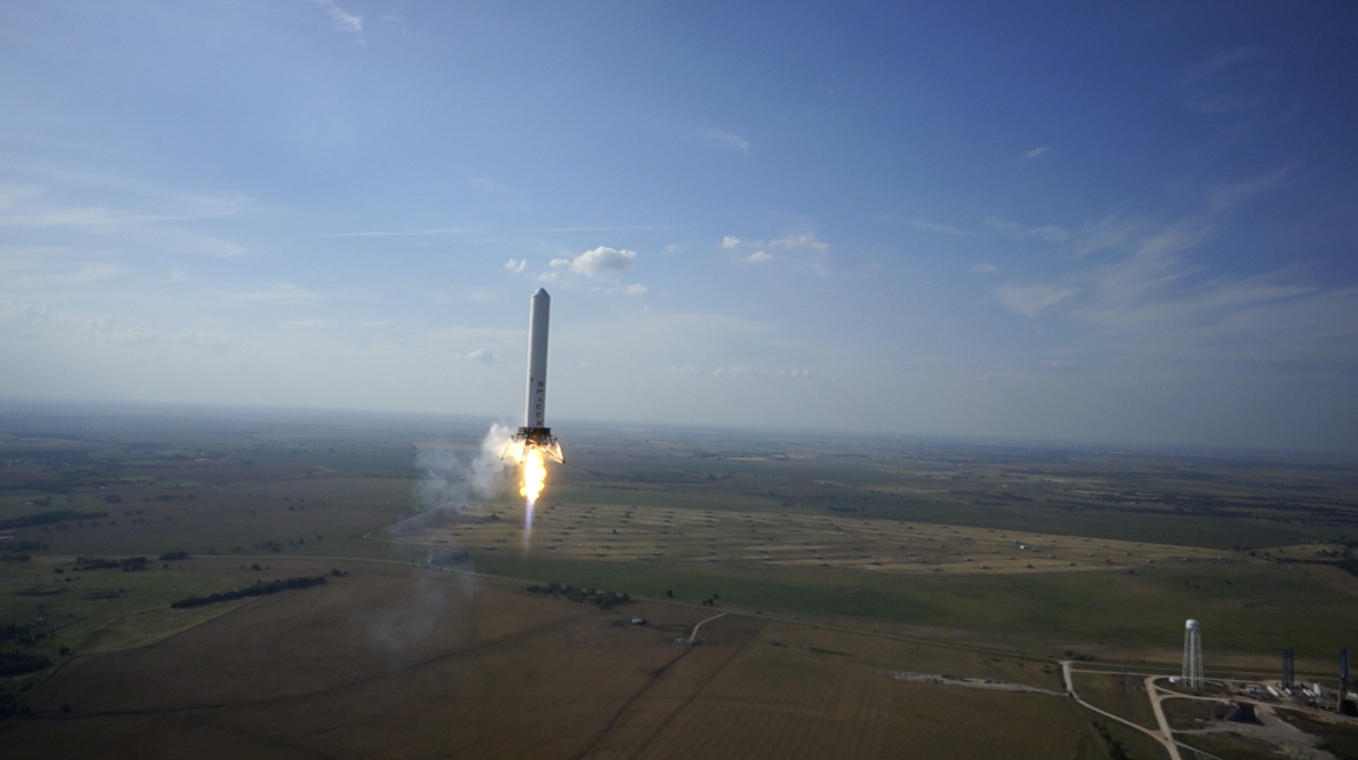 SpaceX_Grasshopper_rocket_midflight