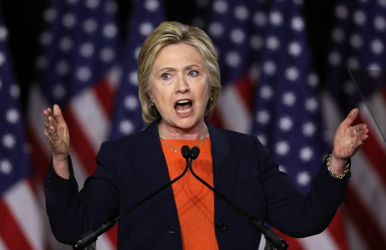 Clinton_giving_speech5WS-765x496